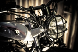 YAMAHA SCRAMBLER UMBAU CROSS SR500 YARDBUILT TOP SPEED ALUTANK FLAT TRACK MILITÄRLOOK LAMPE GITTER MILITARY